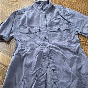 Banana republic size small short sleeve b. Down